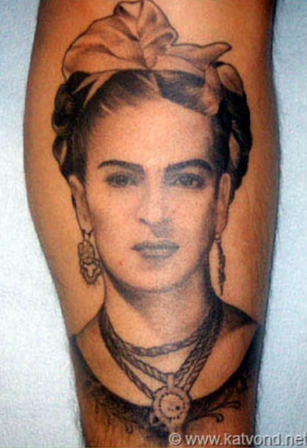 los-mejores-tatuajes-hechos-por-kat-von-d-tatuaje-de-frida-khalo