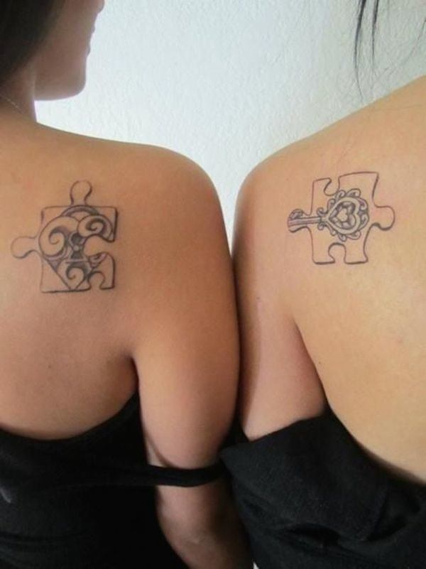 ideas-tatuajes-para-amigas-piezas-de-puzzle