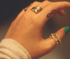 Tatuajes infinito, las fotos de diseños y su significado