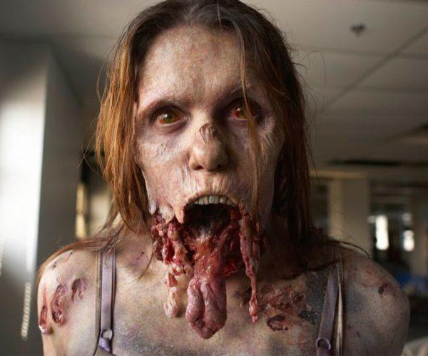 Makeup-halloween-zombie-as-paint-as-a-dead-living-photos-lengua-fuera