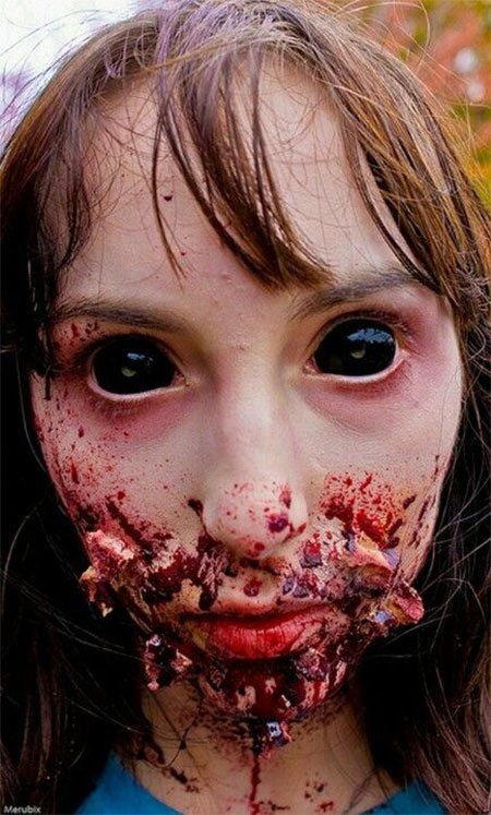 Makeup-halloween-zombie-as-paint-as-a-dead-living-photos-ojos-negros