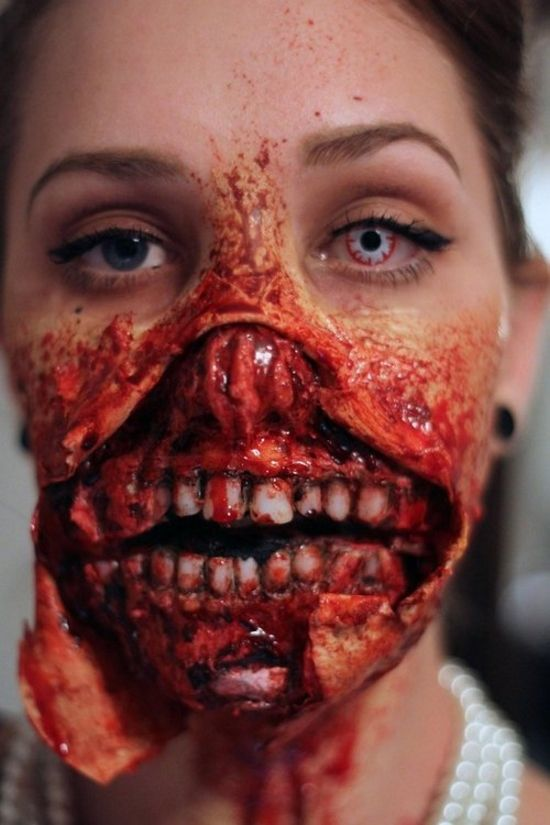 Makeup-halloween-zombie-as-paint-as-a-dead-living-photos