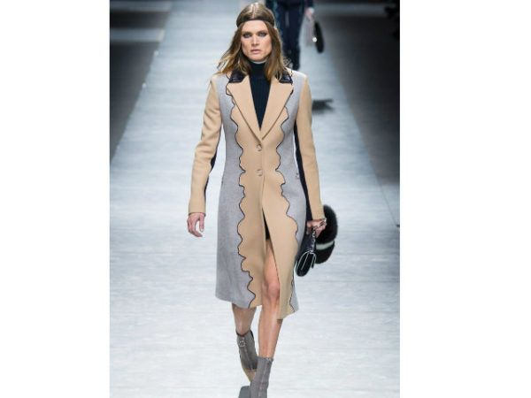 catalogo-versace-abrigo-beige-y-gris