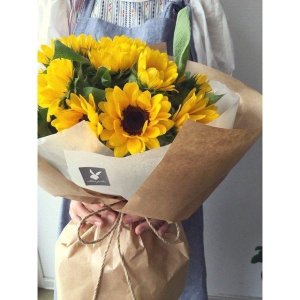 cuales-son-las-flores-preferidas-para-un-ramo-el-dia-de-san-valentin-2015-girasoles-2