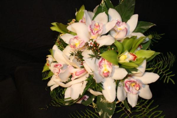 cuales-son-las-flores-preferidas-para-un-ramo-el-dia-de-san-valentin-2015-orquideas-rosas