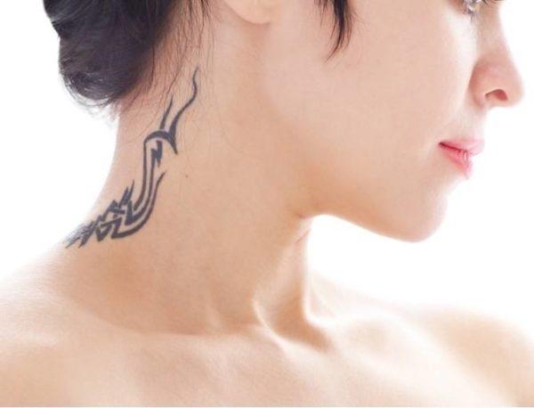 Tatuajes sexy 2018 tatuaje cuello tribal