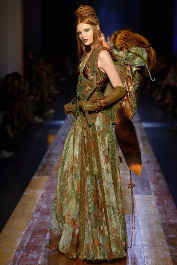 coleccion-jean-paul-gaultier-otono-invierno-2016-2017-vestido-verde-mochila