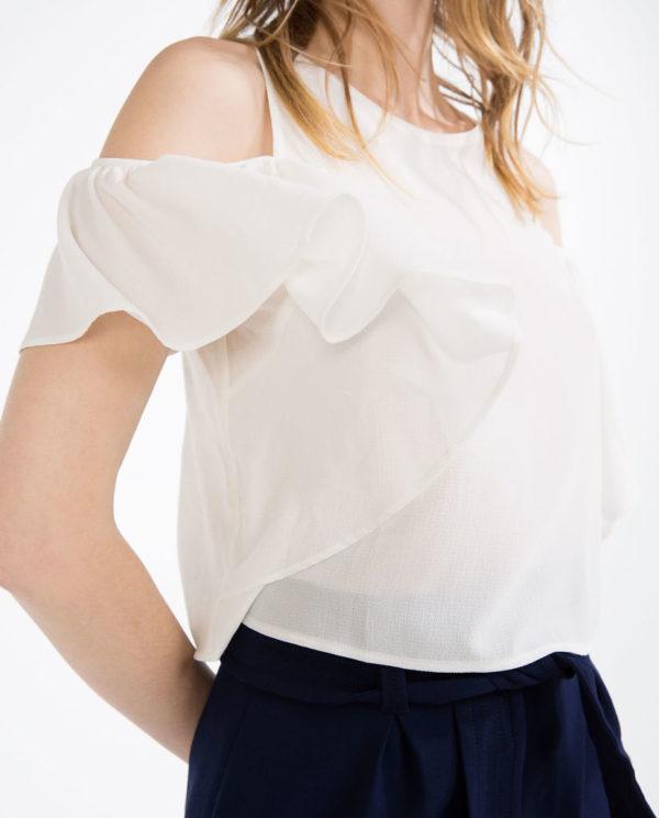camisas-mujer-2016-tendencias-primavera-verano-zara-camiseta-volantes-blanca