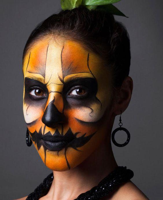 maquillaje-halloween-calabaza-labios-negros