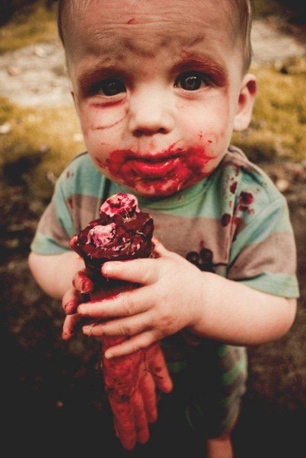 maquillaje-halloween-ninos-zombie-sangre-mano