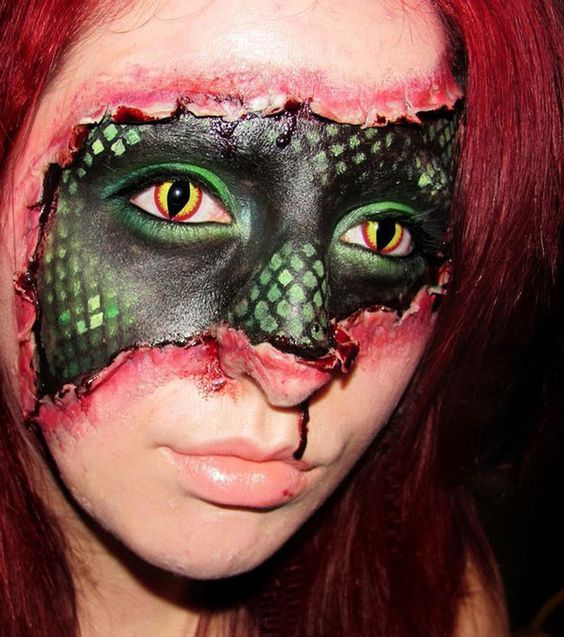 Make-up-halloween-eyes-reptile