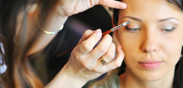 como-maquillarse-los-ojos-paso-a-paso-trucos
