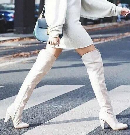 moda-de-los-anos-60-botas-blancas
