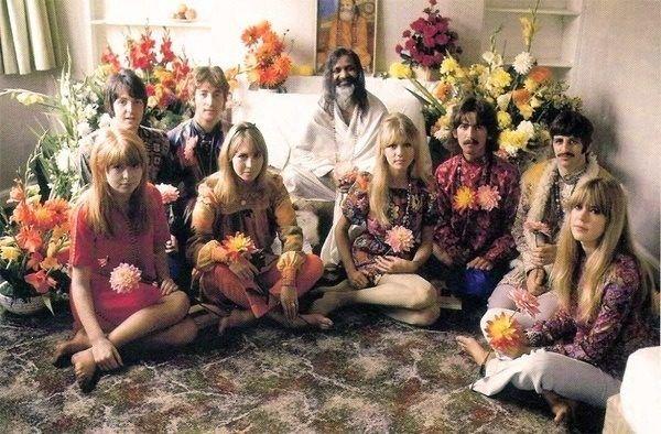 moda-de-los-anos-60-flower-power