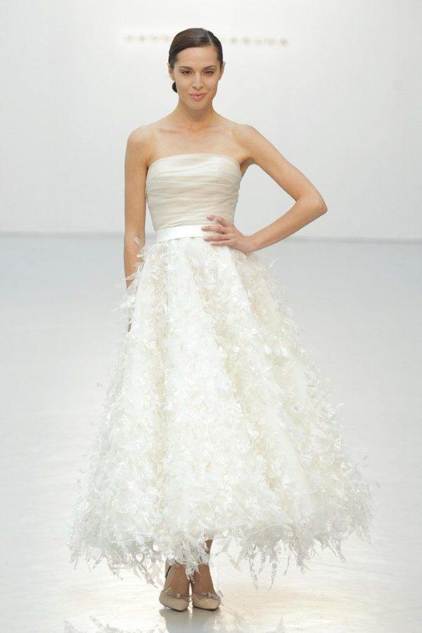 9031b1b7e Los vestidos de novia cortos para 2019 - ModaEllas.com