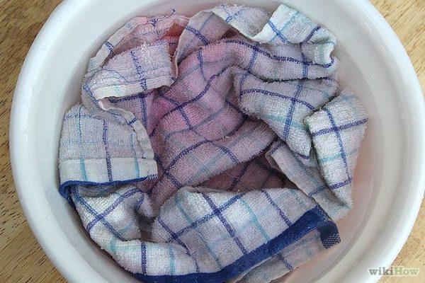 como-quitar-las-manchas-de-sangre-de-la-ropa-agua-fria