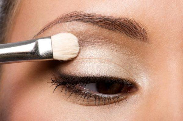 maquillaje-para-boda-de-dia-sombra-de-ojos