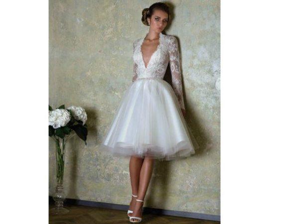 vestido-de-novia-corto-boda-civil-2016-con-escote-en-forma-de-v