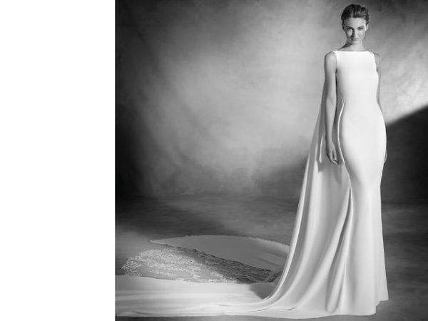 vestidos-de-novia-corte-sirena-otono-invierno-2017-con-capa
