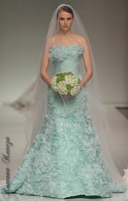 vestidos-de-novia-diferentes-verde