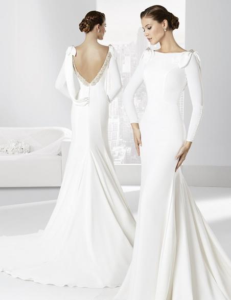 vestidos-de-novia-manga-larga-espalda-decorada