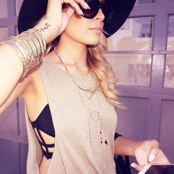 bralettes-ropa-interior-formas-geometricas-camiseta-sin-mangas