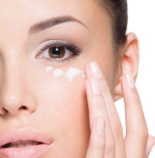 como-maquillarse-los-ojos-paso-a-paso-hidratacion