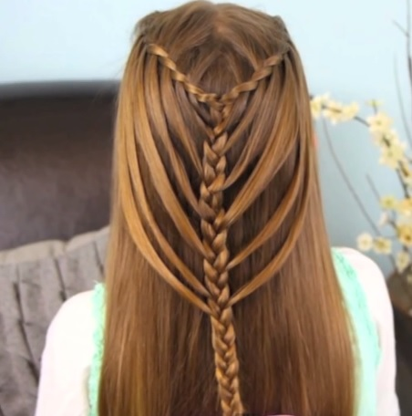 peinados-con-trenzas-cascada-con-trenza-central