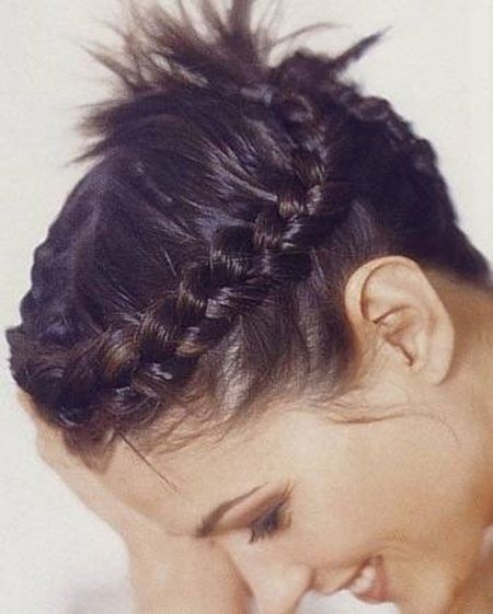 peinados-con-trenzas-pelo-corto-cabello-muy-corto-corona