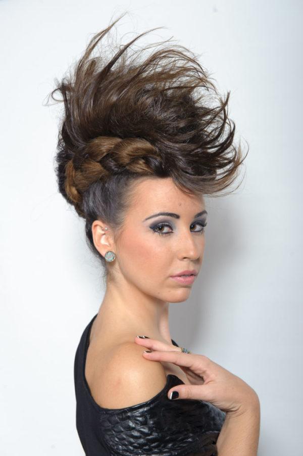 peinados-con-trenzas-punk-cresta