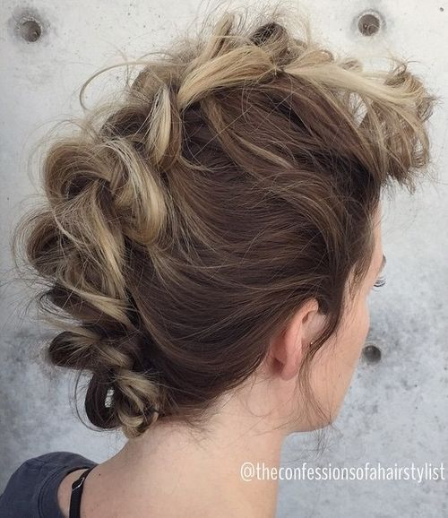 peinados-con-trenzas-punk