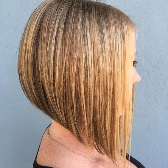 peinados-de-mujer-media-melena-carre-plongeant-rubia