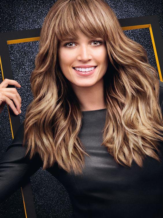 peinados-de-mujer-pelo-largo-castana-clara
