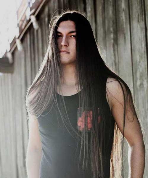 peinados-hombre-largo-liso-moreno