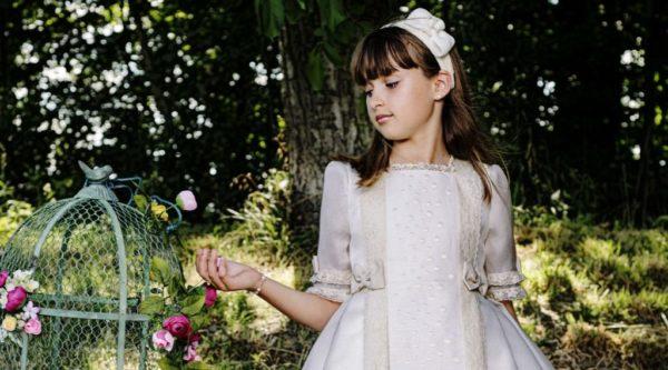 vestidos-de-comunion-diferentes-periquetta-plometti-detalle