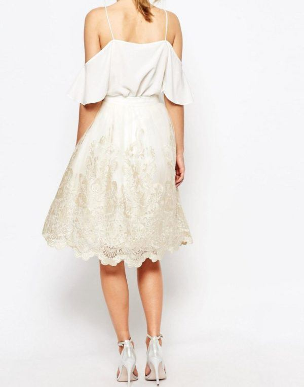 vestidos-de-comunion-para-madres-chi-chi-encaje-metalizado-trasera