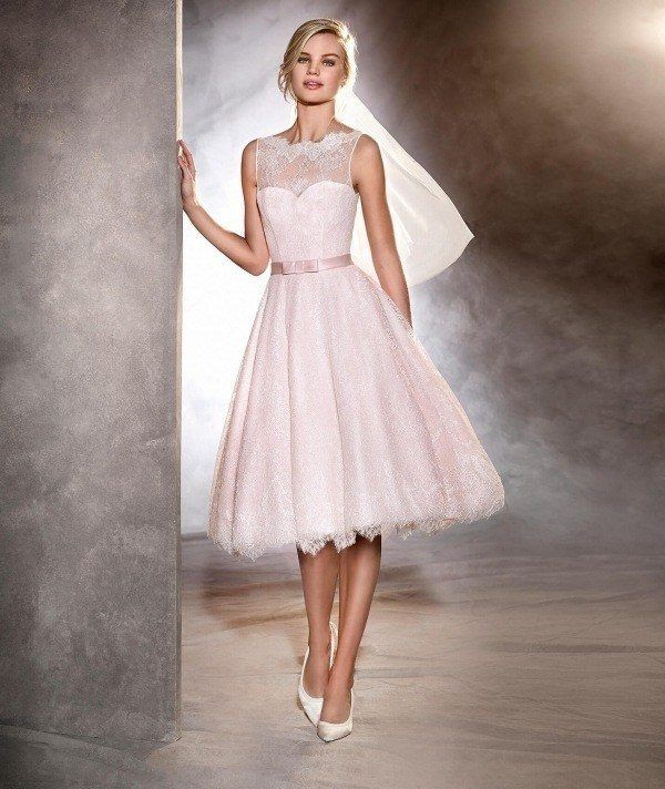 Vestido novia corto iglesia