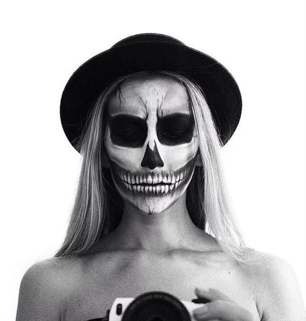 Make-up-halloween-skeleton