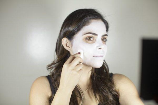 maquillaje-catrina-halloween-como-hacer-paso-a-paso-base-blanca