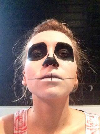 maquillaje-halloween-calavera-dibuja-dientes-paso-2