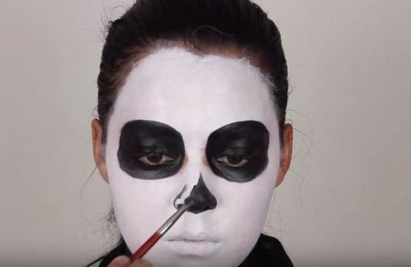 maquillaje-halloween-esqueleto-paso-3