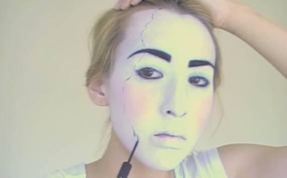 maquillaje-halloween-muneca-paso-6-hacemos-los-rotos-1