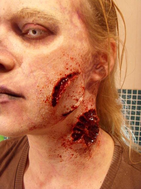 maquillaje-halloween-zombie-paso-a-paso-maquillaje-detalles-heridas