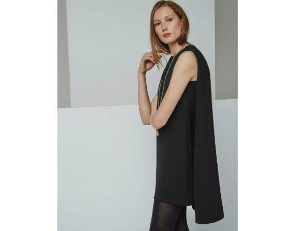 vestidos-adolfo-dominguez-negro-con-capa
