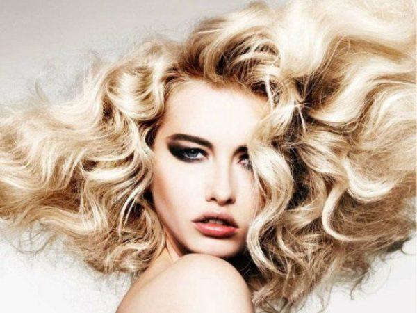 peinados-con-ondas-mucho-volumen-al-viento