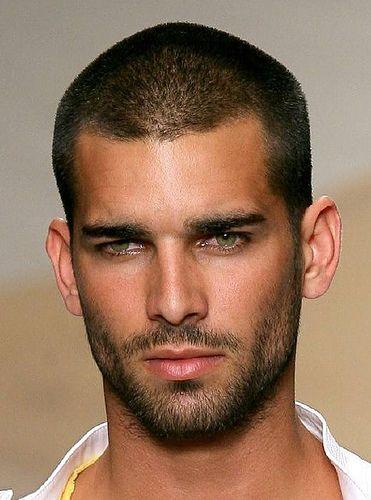 peinados-hombre-poco-pelo-26a