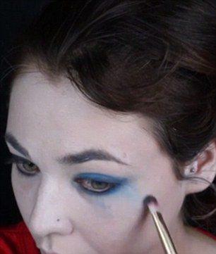 maquillaje-harley-quinn-escuadron-suicida-suicide-squad-halloween-paso-a-paso