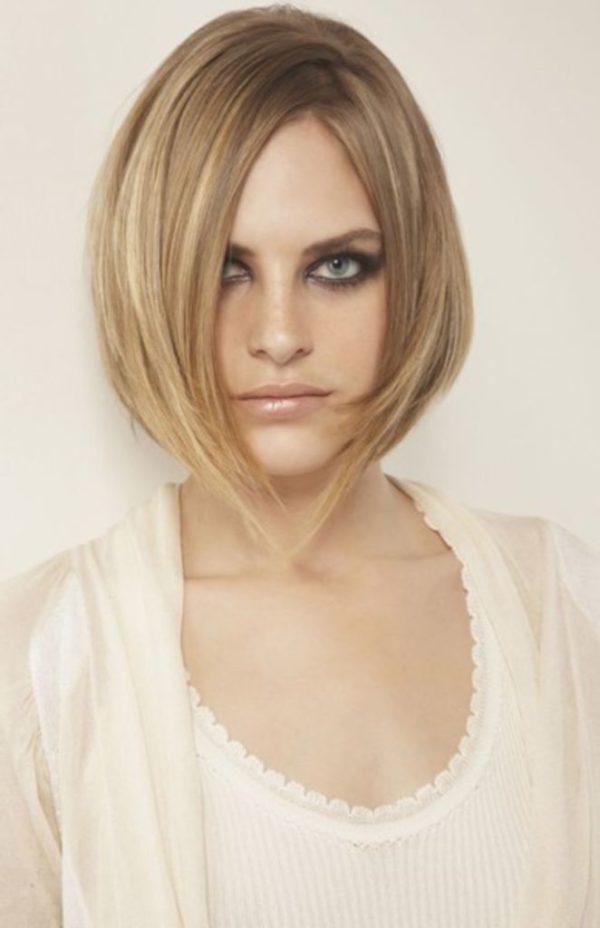 peinados-media-melena-liso-rubio