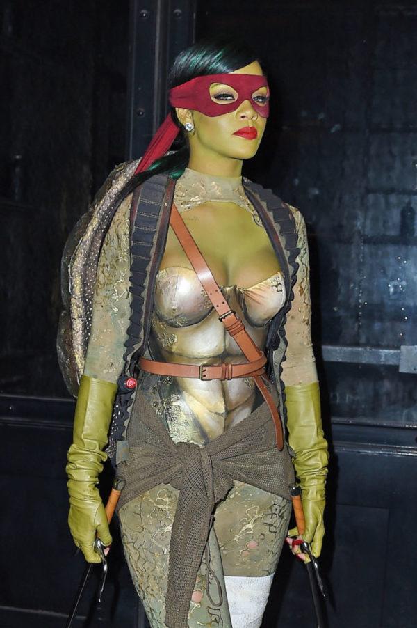repaso-a-los-disfraces-de-famosas-en-instagram-rihanna-tortugas-ninja