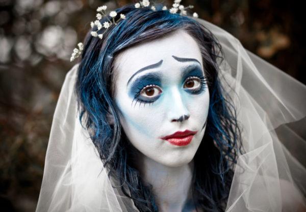 maquillaje-halloween-novia-cadaver-labios-rojos